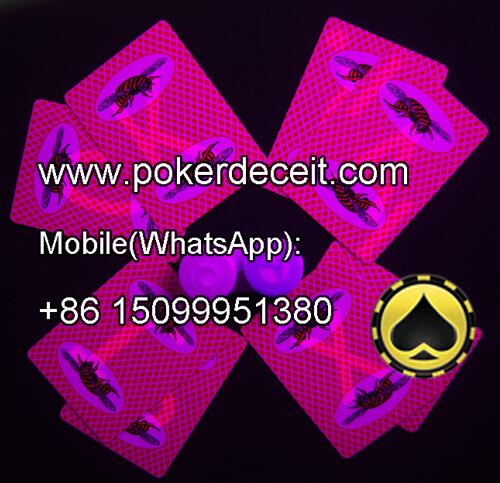 Playing poker games with red BEE juiced playing cards